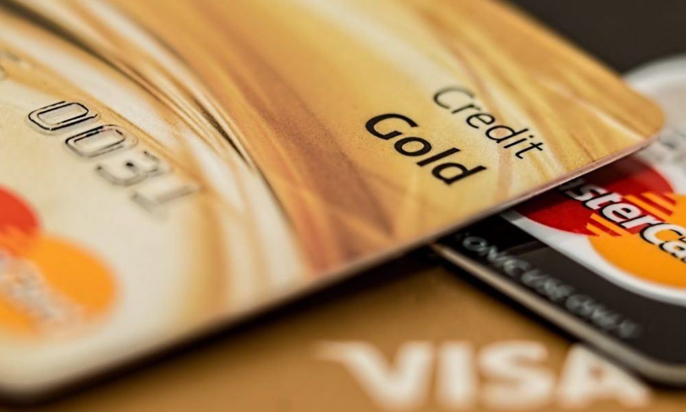 Pros & Cons of Credit Cards