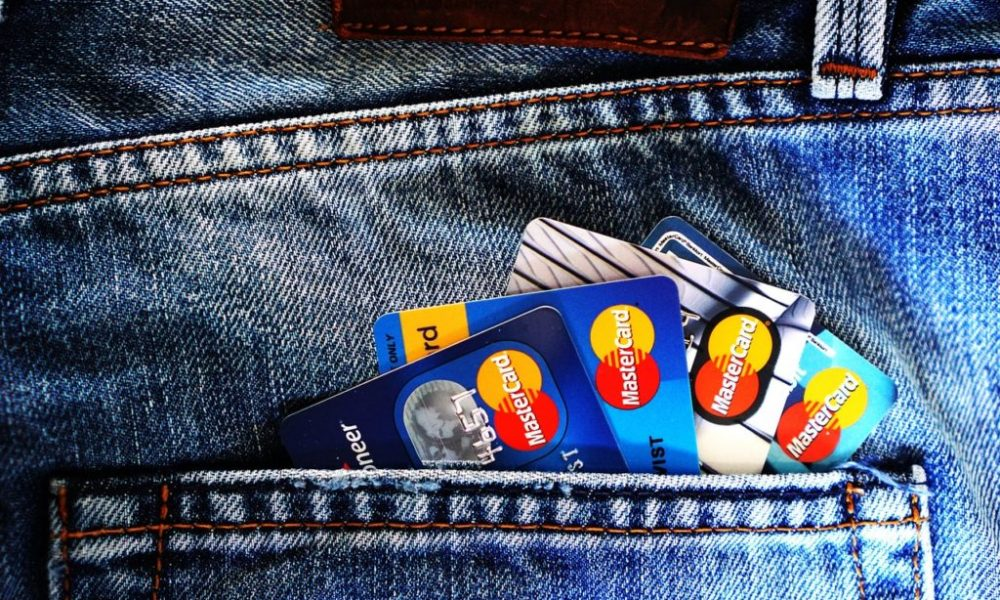The Pros & Cons of Credit Card Transfers