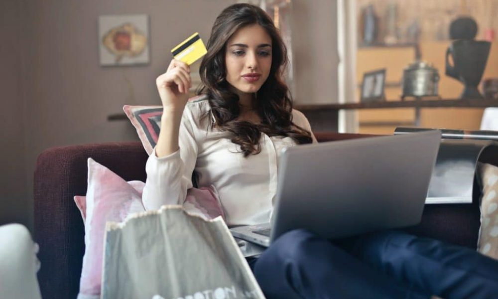 Tips to Managing Your Online Credit Card Spending